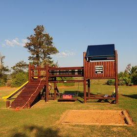 …climb the wooden junglegym…