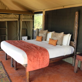 It offers five luxury tents...
