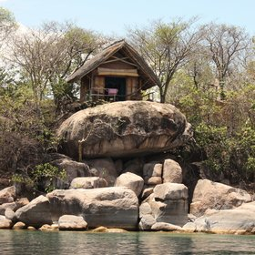The rooms at Mumbo are perched on rocky outcrops with lovely views of the lake.