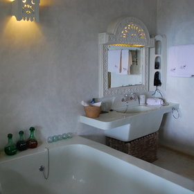 ...as well as a vast bathtub...