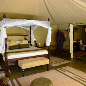 ...with one double bed for couples...