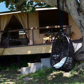 Lemala Kuria Hills is a permanent camp, located up in the northern Serengeti.