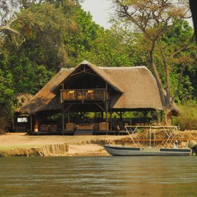 Chiawa stands on the banks of the Zambezi River, in the Lower Zambezi.