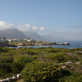 It has beautiful views across the clifftop to Hermanus and across the bay.