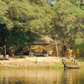 As the name suggests, Chongwe River Camp is right on the banks of the Zambezi River.