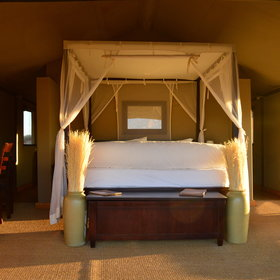 The double or twin beds, from which you can also enjoy the sunrise, are very comfortable.