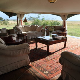 Mara Plains is a small and luxurious tented camp in the Olare Motorogi Conservancy.