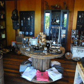 ...as well as a safari shop, selling safari gear, African art and jewellery.