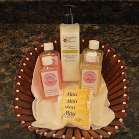 All bathrooms, regardless of level, provide some complementary toiletries.