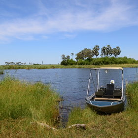 When water levels are high, enjoy a boat trip on the surrounding waterways with idyllic views.