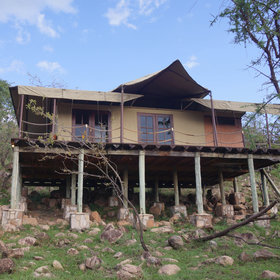 Migration Camp is located in the northern Serengeti near to the Lobo area.