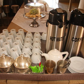 ... also has a permanent tea and coffee station ...