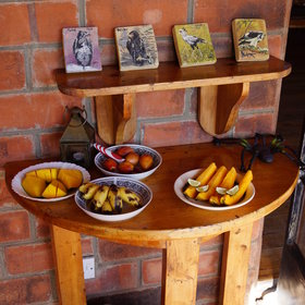 The lodge also serves afternoon tea or coffee, some fresh fruits...
