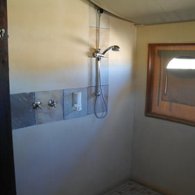 ...includes a separate shower...