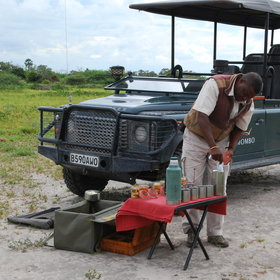 During the game drive you can enjoy the afternoon tea…