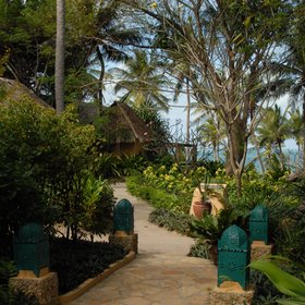 Explore the gardens between the cottages...
