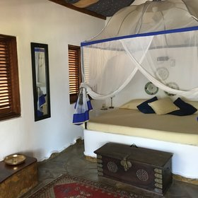 The 14 individual cottage rooms at Kinasi…