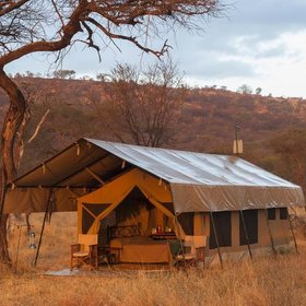 Mara Kati Kati is a small mobile bush camp and offers an authentic bush experience.