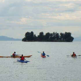 Kayaking trips on the lake are available from the lodge, at extra cost.