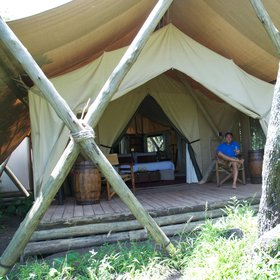 Mara Expedition Camp is a small bush camp in Kenya's Maasai Mara...