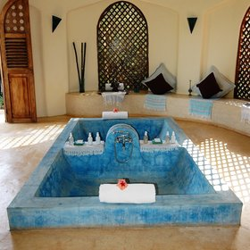 ...complete with a twin hammam bath.