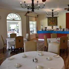 The lodge serves meals in the indoor & outdoor dining areas for breakfast, lunch & diner.