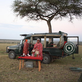 The afternoon game drive usually includes sundowner drinks to end another lovely day in the bush.