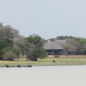 Siwandu Camp has a prime location on the shores of Lake Nzerakera.
