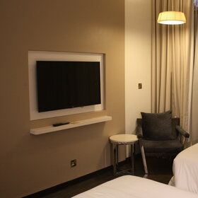 All rooms have flat screen TV's....