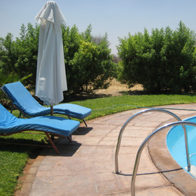 ... surrounded by sun loungers to enjoy the sun...