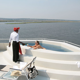 There is also a small plunge pool and sun-deck so soak up the African sun
