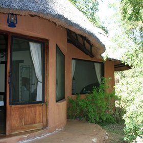 Tongabezi has five romantic River Cottages…