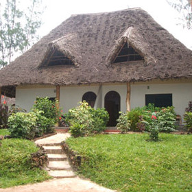 Pongwe Beach Lodge has 10 sea-view cottages; each with a high thatched roof.