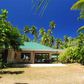 Desroches Island Resort has 20 Junior Suites, running along the island's western beach.
